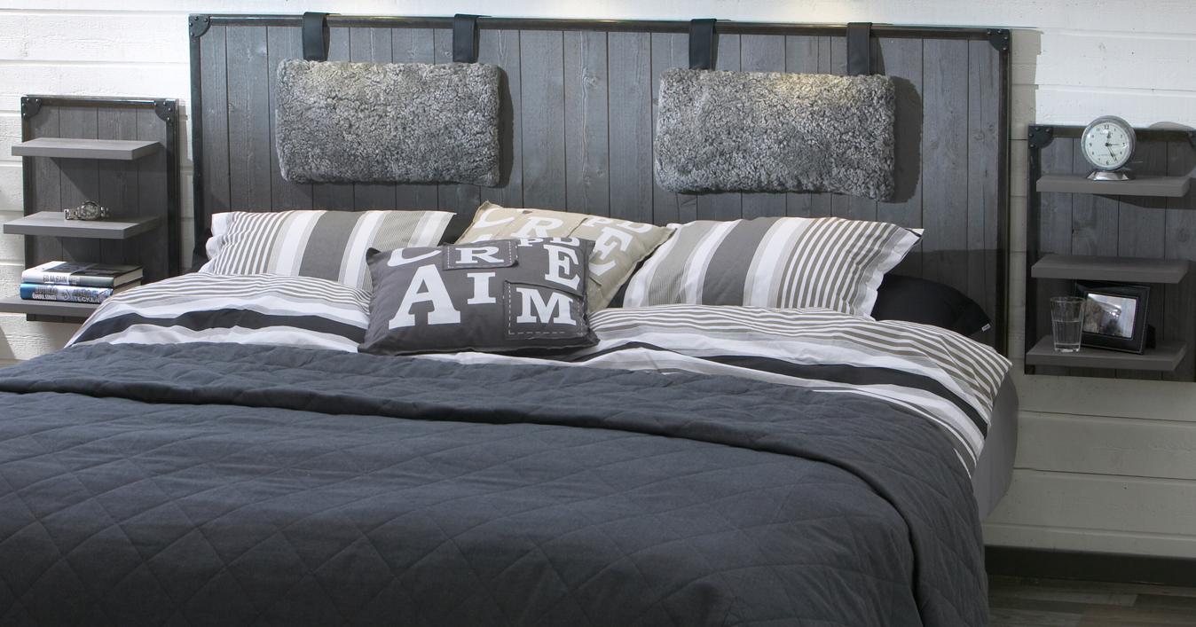 Sängar, sängbord, sängpaneler och bäddmadrasser